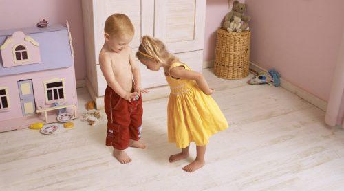 Cómo actuar ante los juegos sexuales de nuestros hijos