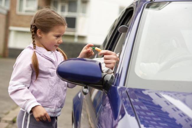 Enseña a tu hijo a evitar riesgos con extraños (primera parte)