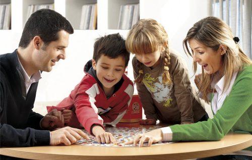 Jugar en familia: beneficios para todos