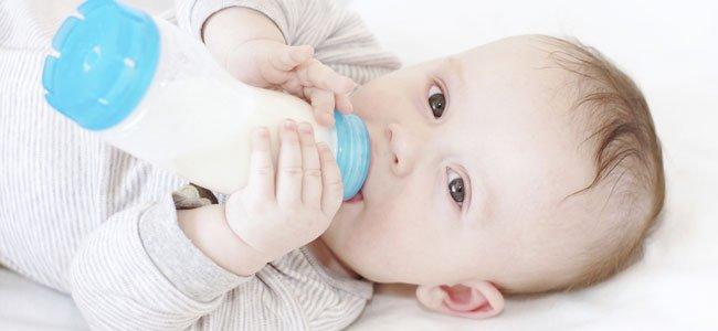 Crea un fuerte vínculo con tu hijo al darle de comer