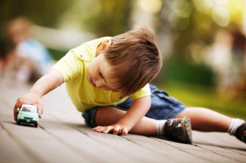 Juegos y juguetes: mucho más que solo diversión para los niños